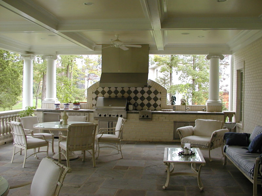 Custom Columned Patio Installation in Gainesville, VA